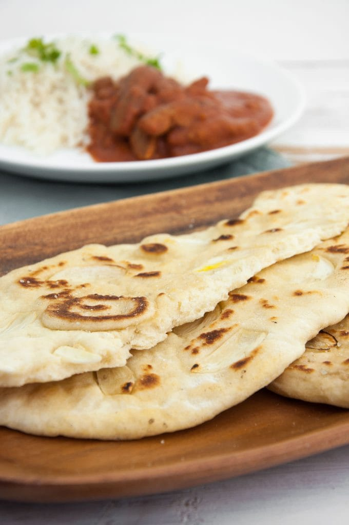 Fluffy Indian Garlic Naan (Vegan)