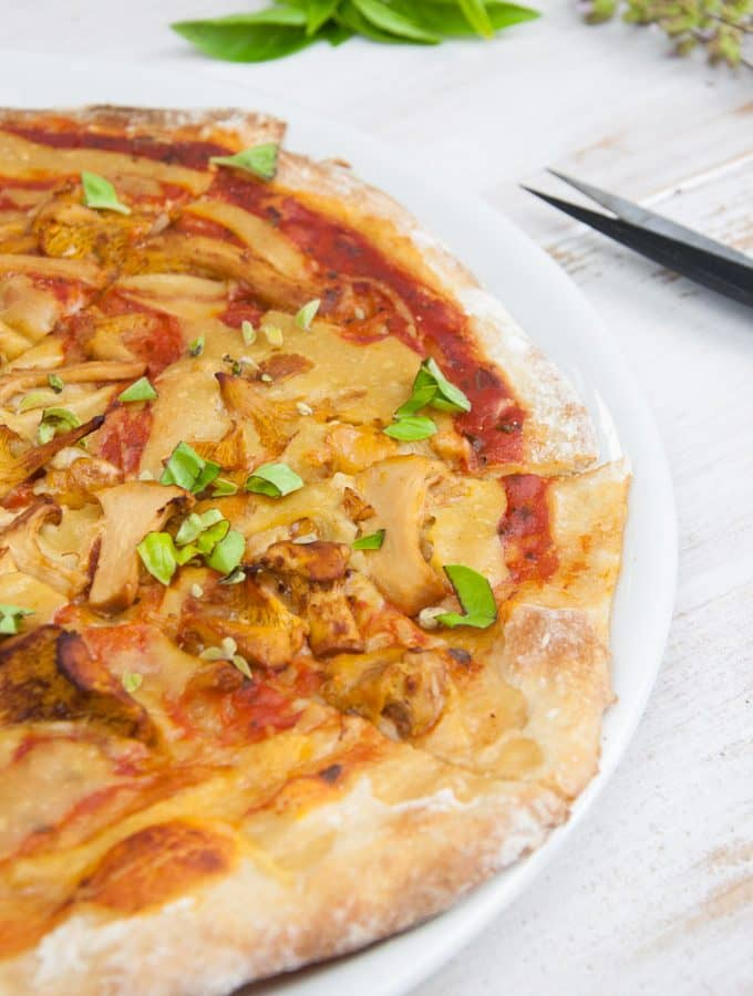 Vegan Chanterelle Pizza with homemade 'Cheese' (+ Video)