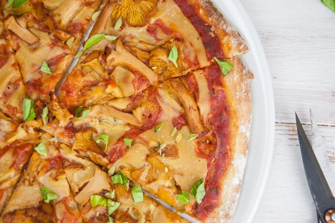 Vegan Chanterelle Pizza with homemade Cheese | ElephantasticVegan.com