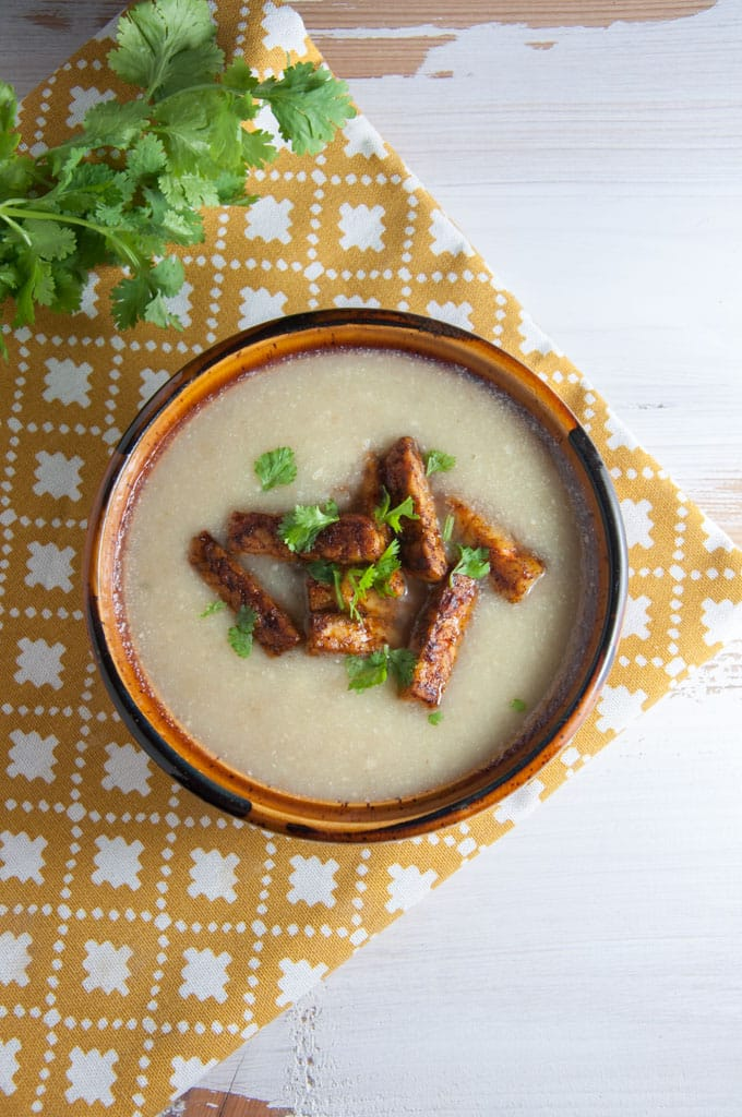 Vegan Parsnip Soup with smoky tempeh strips | ElephantasticVegan.com