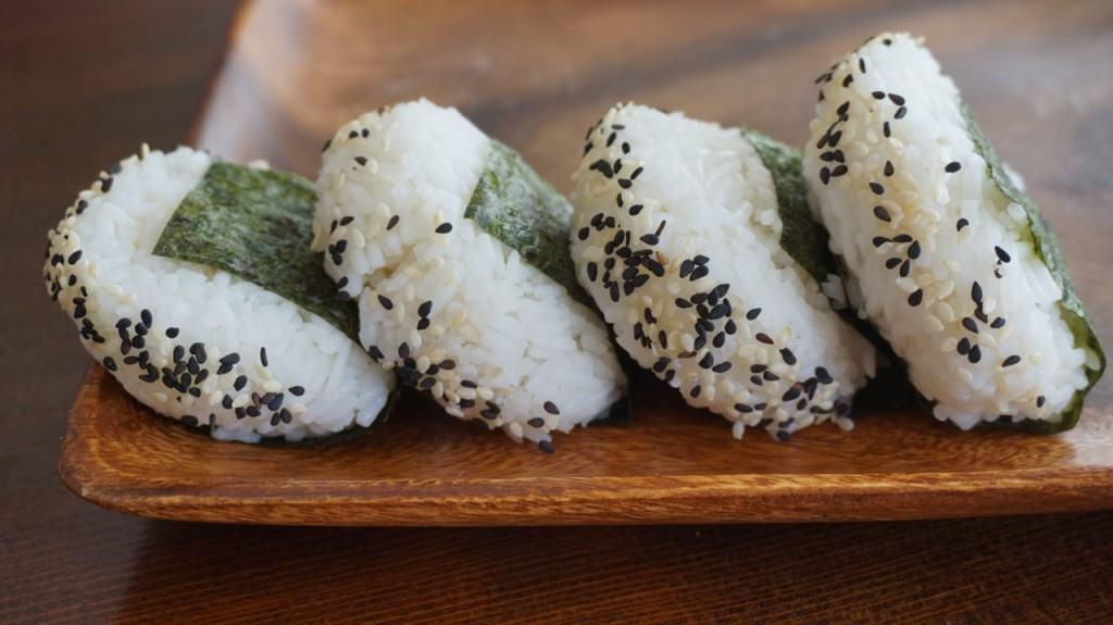 plain onigiri