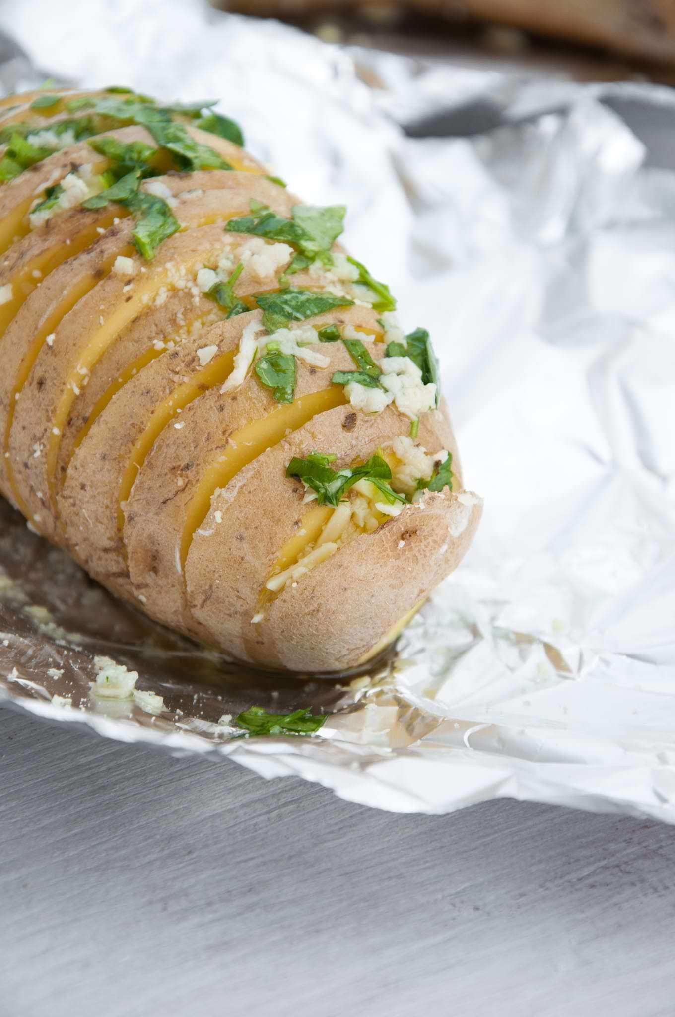 Cheesy Hasselback Potatoes | ElephantasticVegan.com