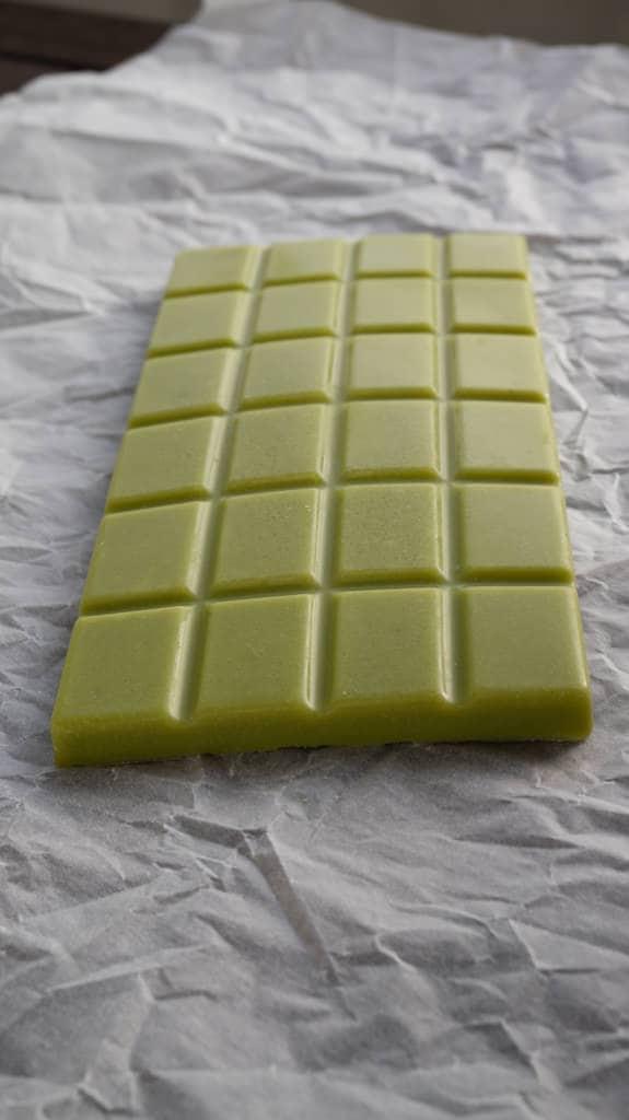 Vegan Matcha Chocolate (Green Tea Chocolate) | ElephantasticVegan.com #vegan #chocolate #matcha #greentea