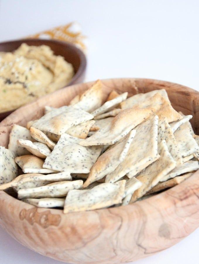 Cheesy Poppyseed Crackers | ElephantasticVegan.com