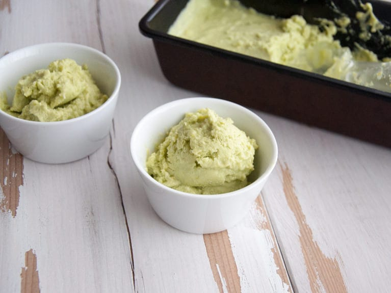 Vegan Avocado Ice Cream | ElephantasticVegan.com