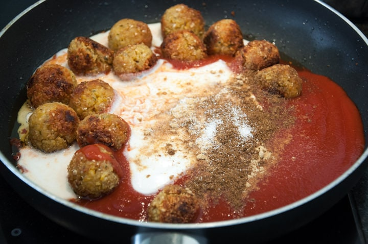 falafel in tomato purée, coconut milk, spices
