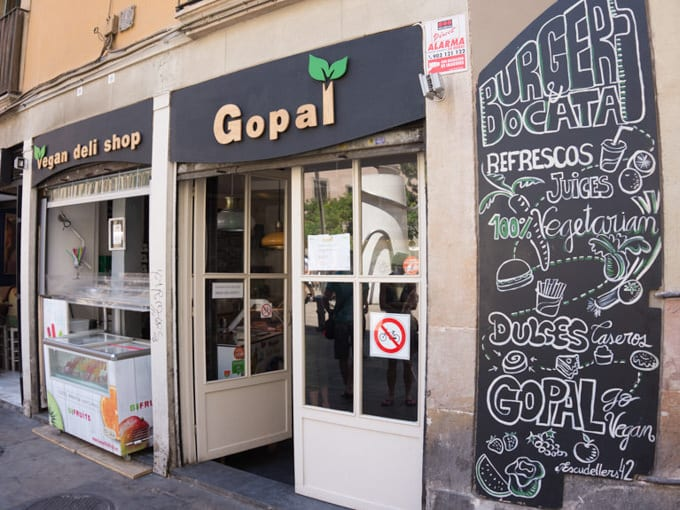 Vegan in Barcelona Gopal | ElephantasticVegan.com
