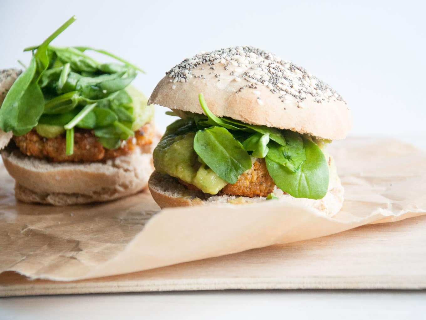 Vegan Falafel Burger with avocado sauce, spinach & homemade burger ...