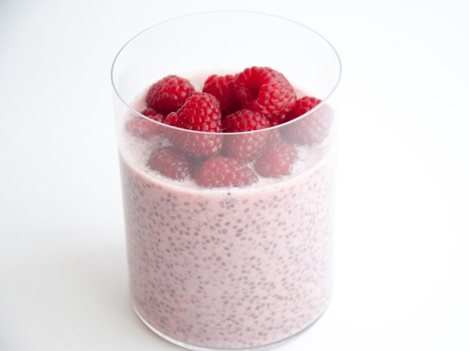 Vegan Raspberry Chia Pudding | ElephantasticVegan.com