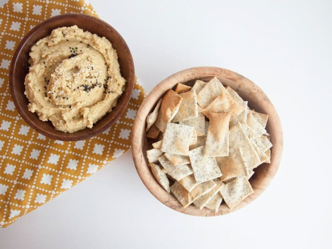 Cheesy Poppyseed Crackers | ElephantasticVegan.com