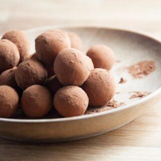 The easiest Christmas Cookies ever – German Marzipan Balls (vegan & gluten-free)
