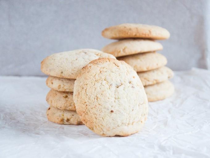 Vegan Pistachio Rosewater Cookies | ElephantasticVegan.com