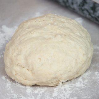Vegan Yeast-Free Pizza Dough | ElephantasticVegan.com