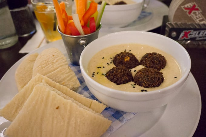 Bratislava Re:Fresh Hummus with falafel, vegetables and home-made pita bread | ElephantasticVegan.com
