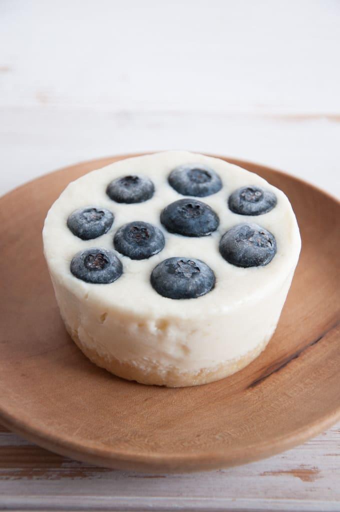 No-Bake Lime Blueberry Cheesecake |ElephantasticVegan.com
