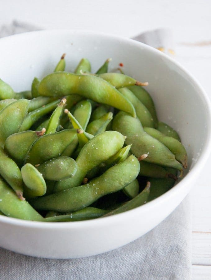 Basic Edamame – Healthy Vegan Snack (+Video)