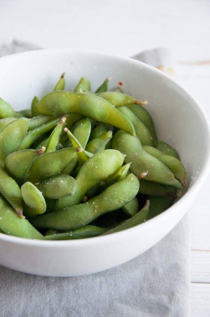 Boiled soybeans in a bowl