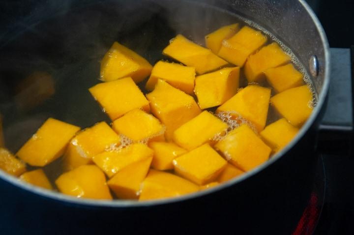 boiling pumpkin chunks