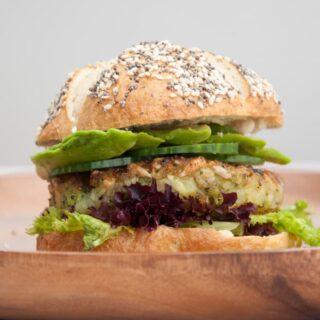 Green Veggie Burger | ElephantasticVegan.com