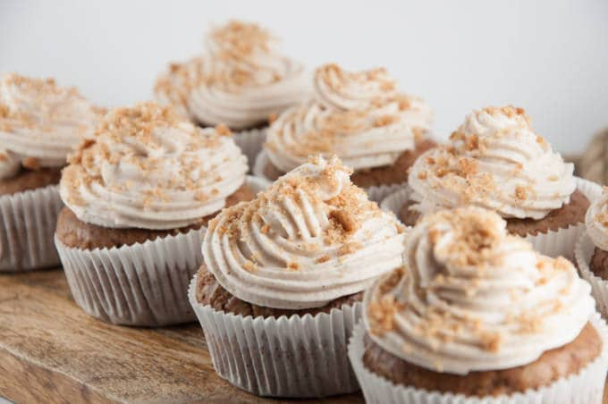 Vegan Gingerbread Cupcakes | ElephantasticVegan.com