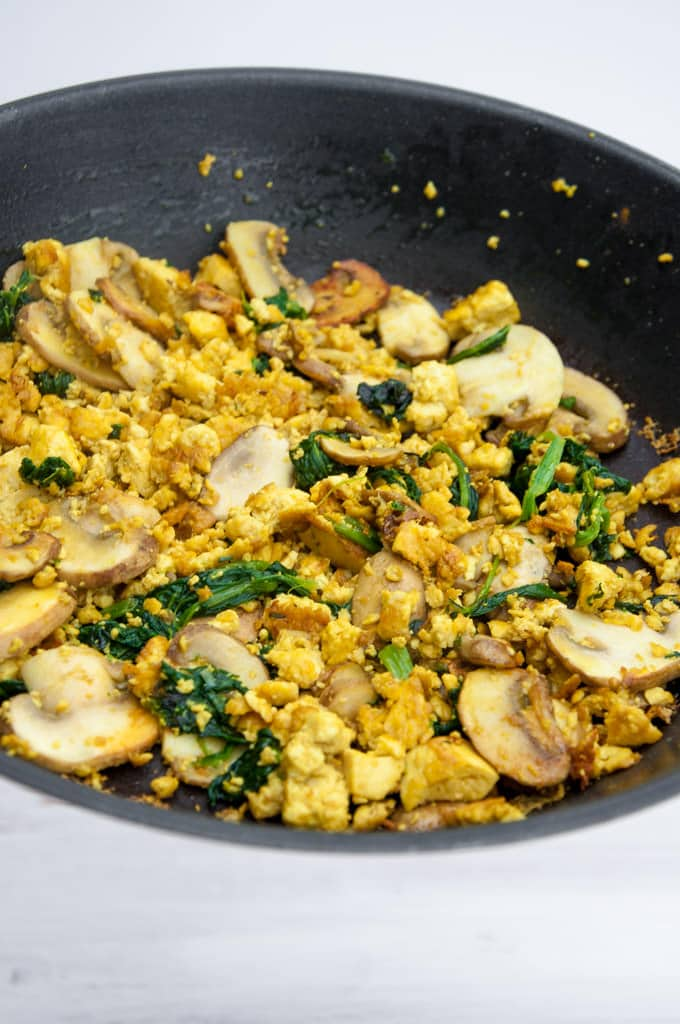 Tofu scramble with mushrooms and spinach