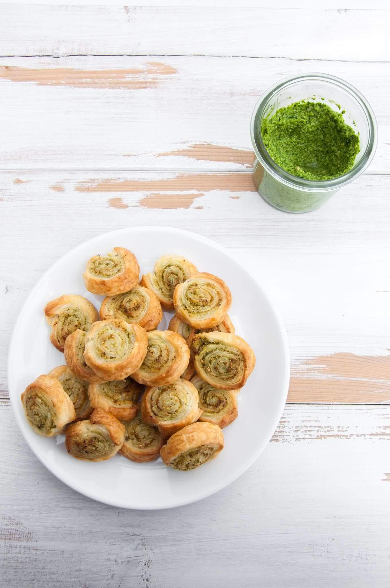 Vegan Arugula Pesto Pinwheels |ElephantasticVegan.com