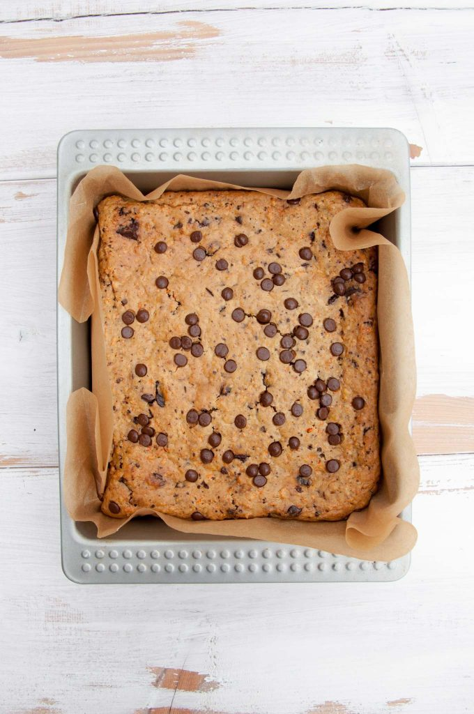 Vegan Carrot Cake Blondies with Chocolate Chips | ElephantasticVegan.com