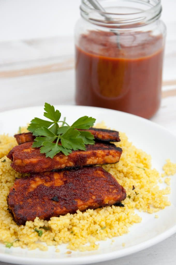 Vegan Date-Sweetened BBQ Sauce | ElephantasticVegan.com