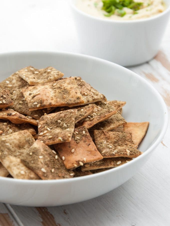 Vegan Za'atar Crackers in a bowl