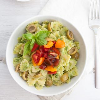 Creamy Avocado Pasta with olives and tomatoes