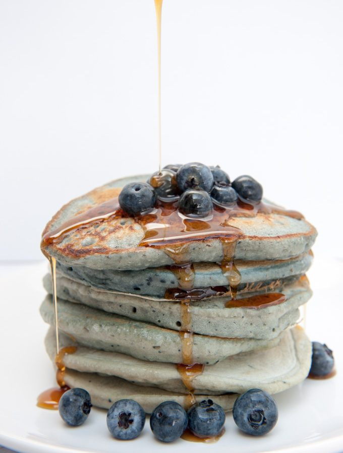 Vegan Blue-Berry Pancakes – Naturally colored