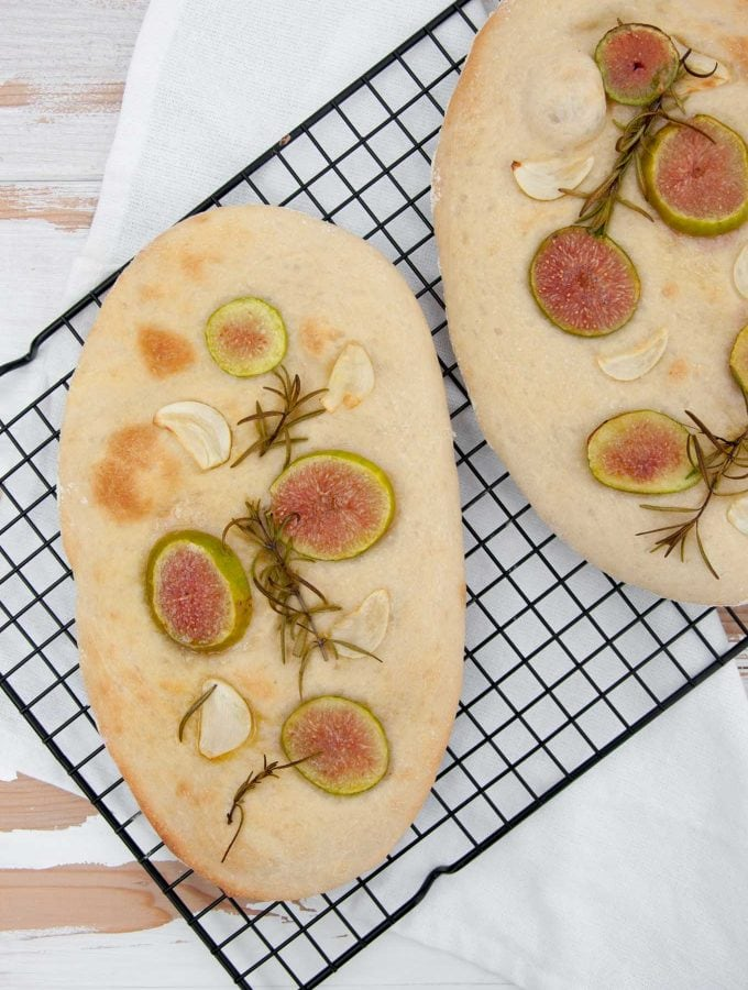 Vegan Fig Rosemary Garlic Focaccia | ElephantasticVegan.com