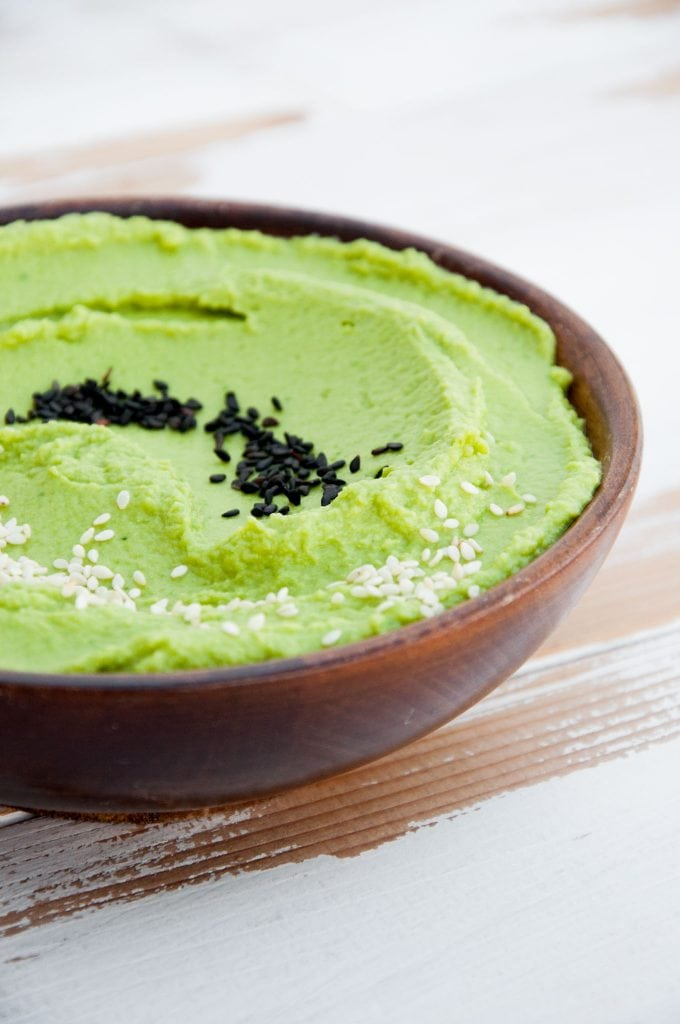 Oil-Free Spinach Hummus with black and white sesame seeds