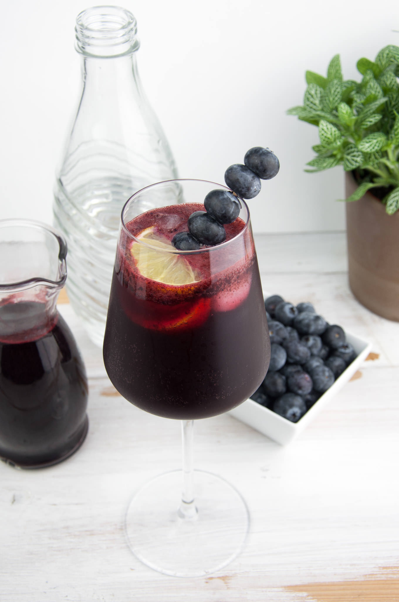 heidelbeer gin fizz rezept elephantastic vegan. Black Bedroom Furniture Sets. Home Design Ideas