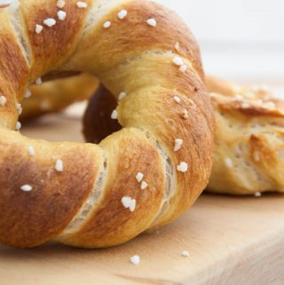 Twisted Pretzel Bagels