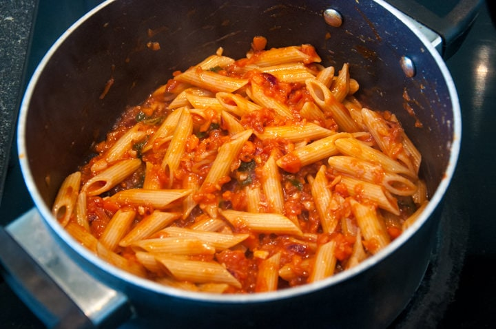 Carrot Bolognese in a pot