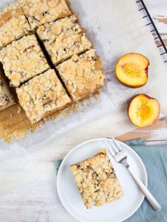 Vegan Peach Crumb Cake