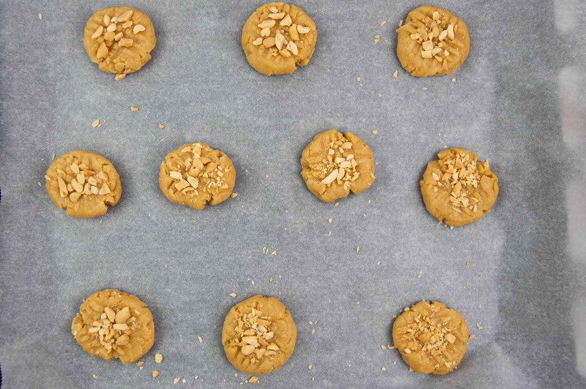 peanut butter cookies before baking