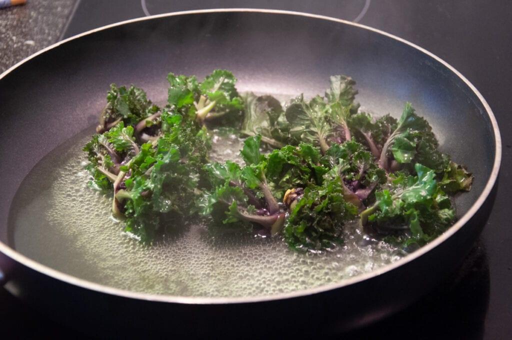 kalettes in pan