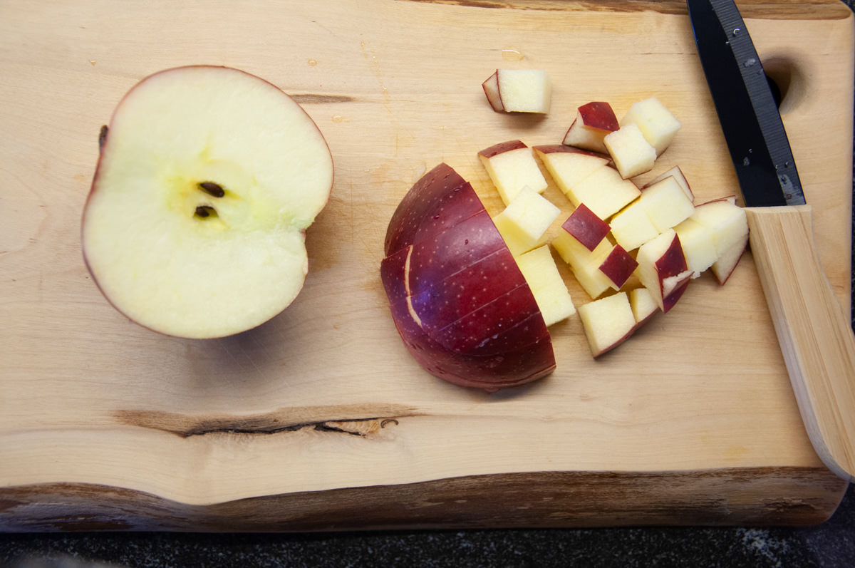 apple cut in chunks